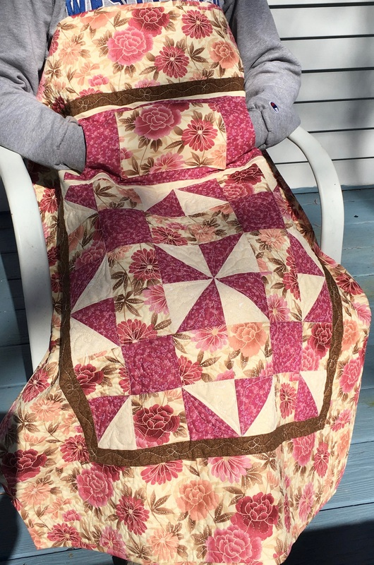 Dusty Rose Lovie Lap Quilt from http://www.HomeSewnByCarolyn.com