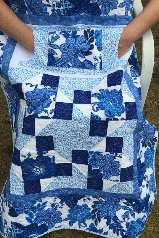 http://www.HomeSewnByCarolyn.com - Blue Floral Lovie Lap Quilt with Pockets