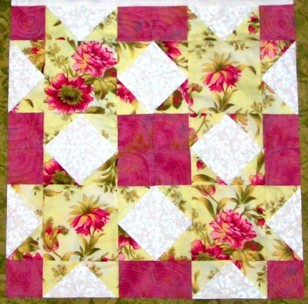 Four blocks Optical Sawtooth quilt pattern from