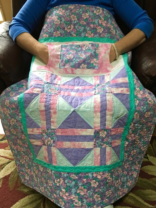 Lavender Lovie Lap Quilt with Pockets from http://www.HomeSewnByCarolyn.com